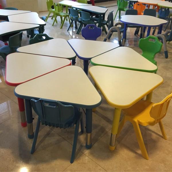 可拼式三角桌幼稚園兒童學習桌